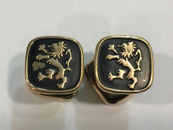 Vintage cufflinks in gold with enamels. Italy circa 1935