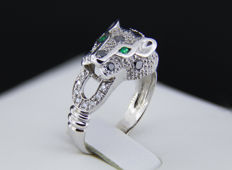 """Cat"" design gold ring with natural emerald, white and black diamonds. * Free shipping * Free Resizing *"
