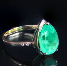 3.5 ct emerald 14 kt gold ring with diamonds 0.028 ct. * Free shipping * No Reserve * Free Resizing *