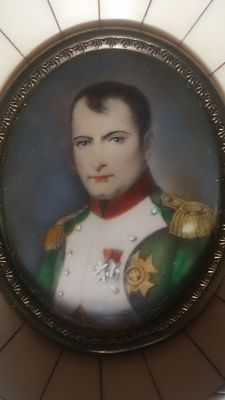 Napoleon - Portrait miniature - Gouache on ivory and ivory frame - ca. 1920