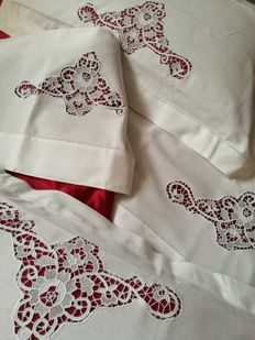 Double bed linen blend sheets - hand embroidered in Burano lace - Venice - New