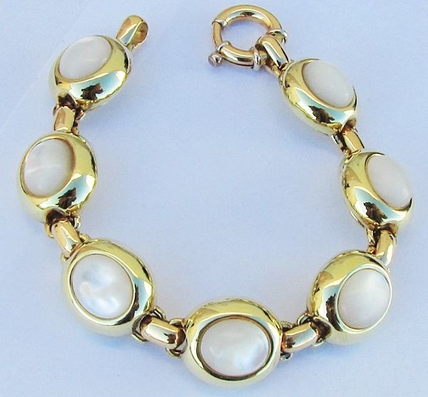 18 kt gold bracelet - oval cabochon cut mother of pearl - 35.7 g