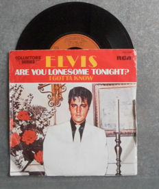 Only for Collectors : 45 Rpm - 30 VERY RARE SINGLES with Elvis Presley - The Kalin Twins -Teresa Brewer - The Blue Diamonds - Connie Francis and many more.