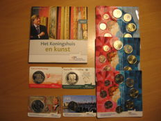 The Netherlands - 4 coin cards 2014/2017 'peace, marriage, birthday, coin master's mark' and 5 euro sets 2014 and 2017 'introduction Willem-Alexander (3) and Royal House Art Set