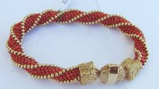 Torsion bracelet in red Mediterranean coral with 18 kt gold accessories - Total weight: 29.8 g