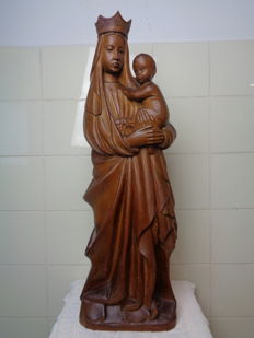 Signed Mary statue sculpted from wood - Provenance unknown - Ca. 1950