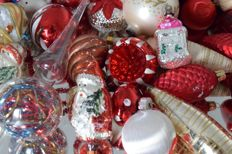 Lot of 50 old antique Christmas baubles and peak