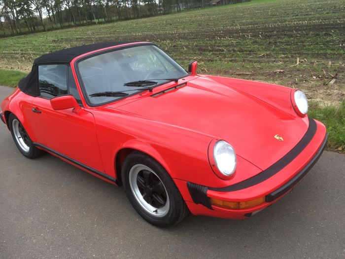 Porsche - 911 Carrera Convertible - 1987