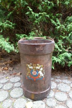Leather fire bucket with coat of arms - probably Belgium or France - 19th century