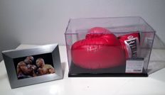 Evander Holyfield Signed Everlast Boxing Glove In Display Case + Coa