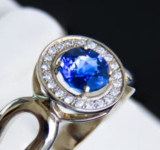 1 ct. sapphire gold ring with diamonds 0.16 ct. * Free shipping * No Reserve * Free Resizing *