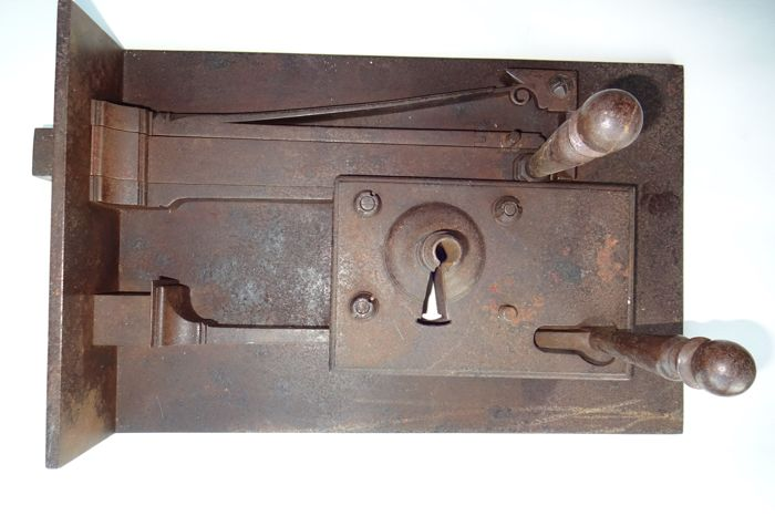 Large door lock - 18th/19th century