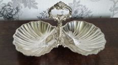 Silver plated platter for appetisers with decorated handle and two shell-shaped plates