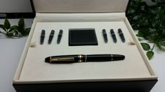 Montblanc Meisterstuck luxury case M146 vintage fountain pen
