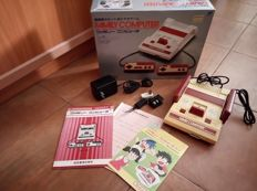 Family Computer/Famicom (Japan) - boxed