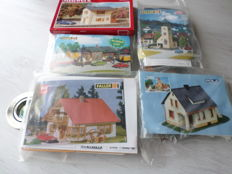 Faller/Pola H0 - B 301/154/130238/500/553 - Houses, church, signal box and goods shed