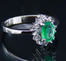 14 kt Gold ring with emerald and diamonds. * Free shipping * No Reserve * Free Resizing   *