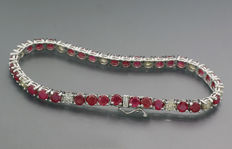Ruby brilliant bracelet weighing a total of 11.50 ct, of which the rubies are 9.00 ct, 585 - white gold ---No Reserve Price!---