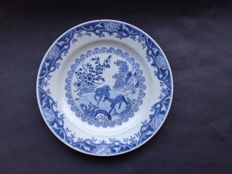 Plate with decorations depicting deer - China - 18th century