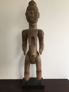 Large Mossi Statue