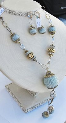 Two-tone 18 kt gold necklace and earrings with aquamarine - necklace length: 65 cm + pendants: 13 cm - 73 grams