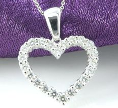 Heart pendant set with 1.00 ct diamond in total, ###Including Jewellery certificate ###Free shipping###