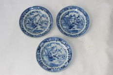3 Porcelain plates - China - 18th century