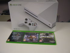 Original X-box one boxed - white 500gb Go edition including 3 original One games like:Call of Duty ,Murderd andDestiny