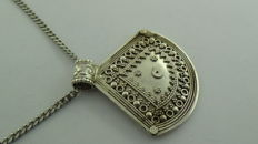 925 Silver amulet pendant on a curb link necklace - Rajasthan - 51 cm