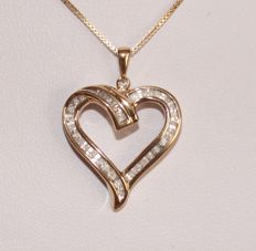 Silver necklace and pendant with diamonds of 0.36 ct - length: 46 cm ***No Reserve Price***