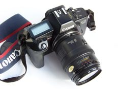 Canon Eos600 with Canon flash and camera bag