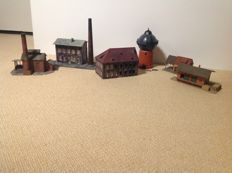 Pola/Heljan H0 - Package with 6 various industrial buildings partly weathered