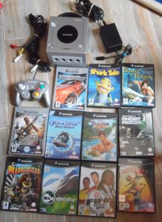 Nintendo GameCube Platinum and controller and 11 games