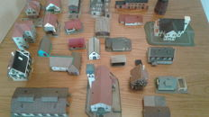 Minitrix/Faller/e.a. N - 26 x different houses and a steam locomotive for the enthusiast
