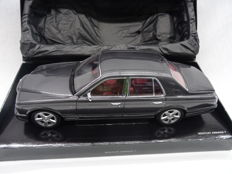 Minichamps - Scale 1/18 - Bentley Arnage T - Colour Grey