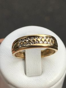 18 kt yellow gold wedding ring with diamonds of 0.30 ct – size 56, No reserve price