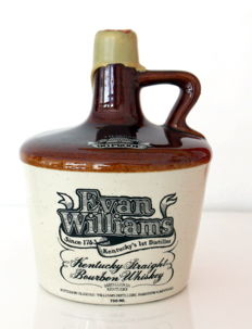 Evan Williams Kentucky Straight Bourbon 7 years old 90