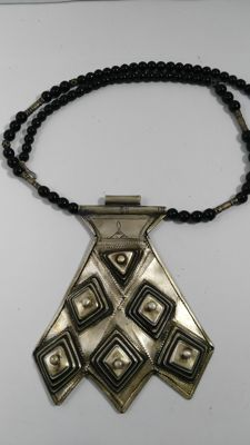 Original Tuareg necklace in 800 silver with black onyx