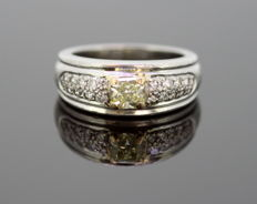 Boucheron - Platinum Ladies Ring With Fancy Yellow Diamond (0.37 CT) and Diamonds (0.24 CT Total), France C.1990's - Size: (UK) = K (US) = 5 1/2 (EU) = 50 1/4