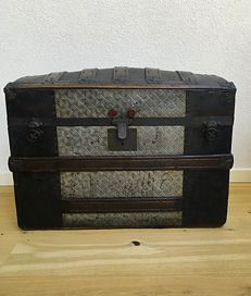 Vogler & Geutner - American trunk with fine metal fittings - Chicago - circa 1885