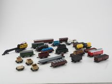 Arnold/Trix/Ibertren/Roco N - 25x Various freight carriages, most of the DB