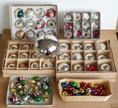Large collection of vintage Christmas balls