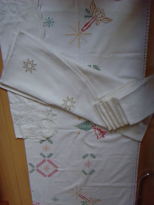 3 x Christmas tablecloth + 6 x large napkins - linen / cotton - 1st and 2nd half of 20th century.