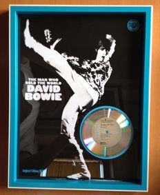 "David Bowie Platinum Plated CD  Display "" The Man Who Sold The World """