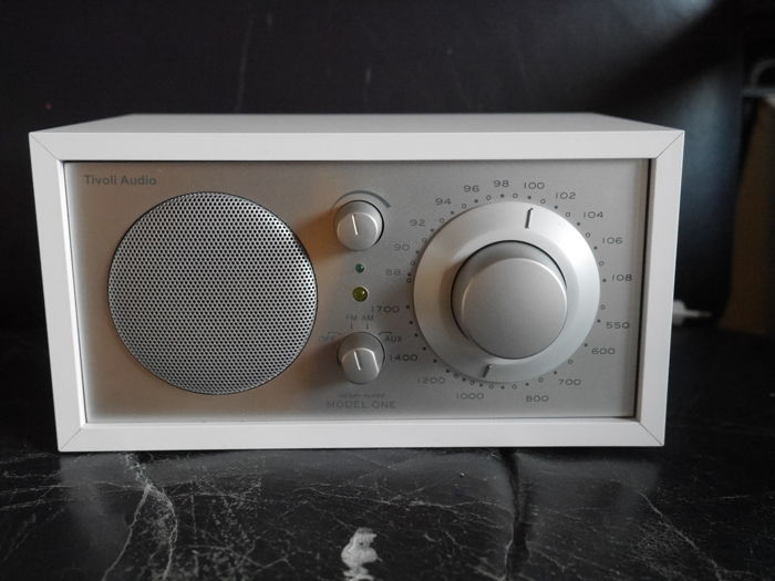 Tivoli audio Am-Fm One