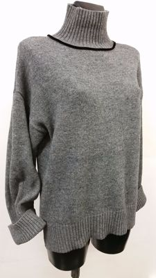 Gorgeous, trendy Fay jumper