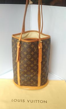 Louis Vuitton - Bucket GM