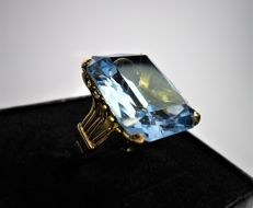 18 kt gold - Ring - Large blue topaz (set on prongs) Size: 14 - 54 - 17.25 mm