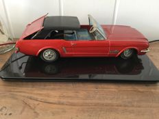 Yonezawa, Japan - Length 34 cm - Tin Ford Mustang convertible with battery engine and remote control, 1960s