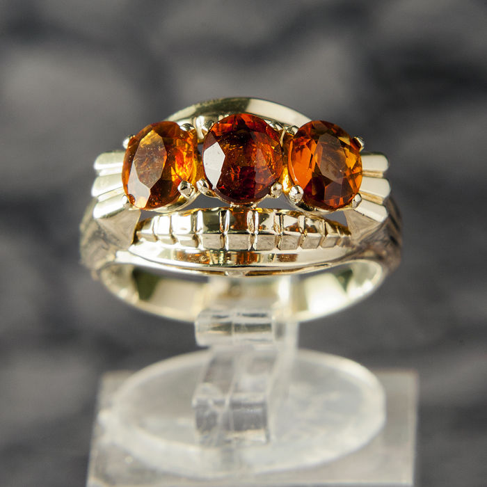 Unique Entourage / Engagement  Ladys Ring with 2,25CT Citrine 8 K Gold RS 55 / 17,5 mm ∅ / US 7-7,5